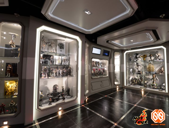 Hot Toys Hot Toys Proudly Presents Secret Base