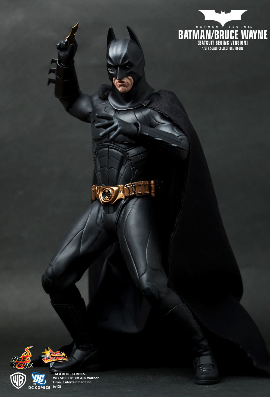 hot toys batman begins batman bruce wayne batsuit