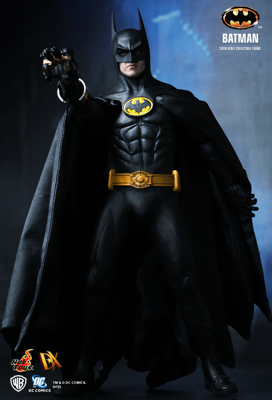 hot toys batman batman 1 6th scale collectible figure. Black Bedroom Furniture Sets. Home Design Ideas