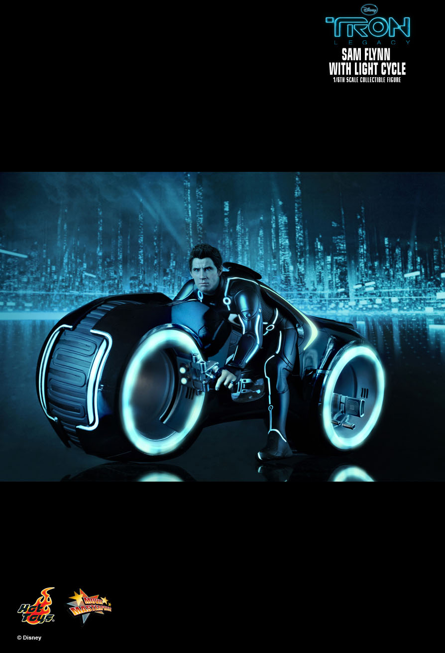 Hot Toys Tron Legacy Sam Flynn With Light Cycle 1 6th