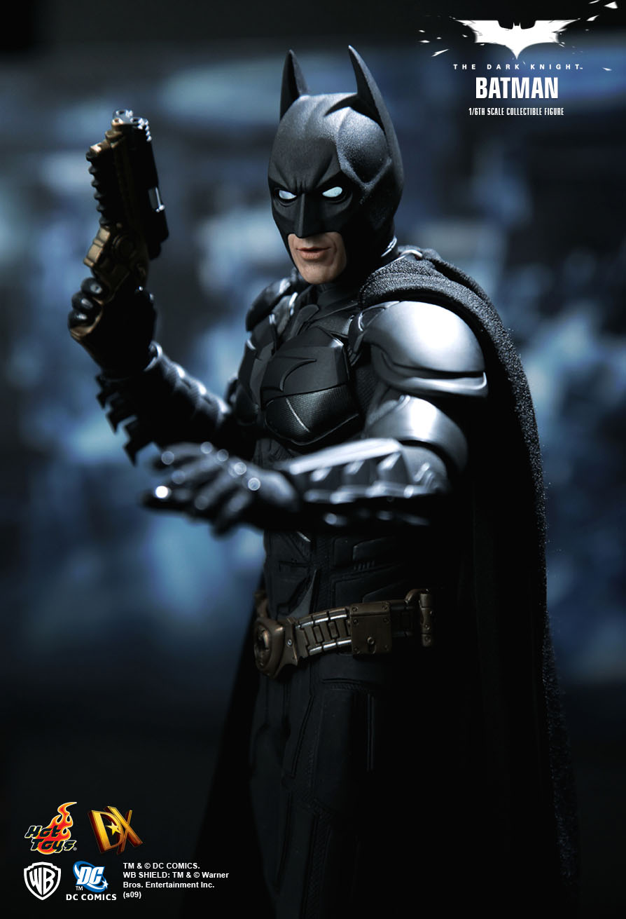 hot toys   the dark knight  6th scale