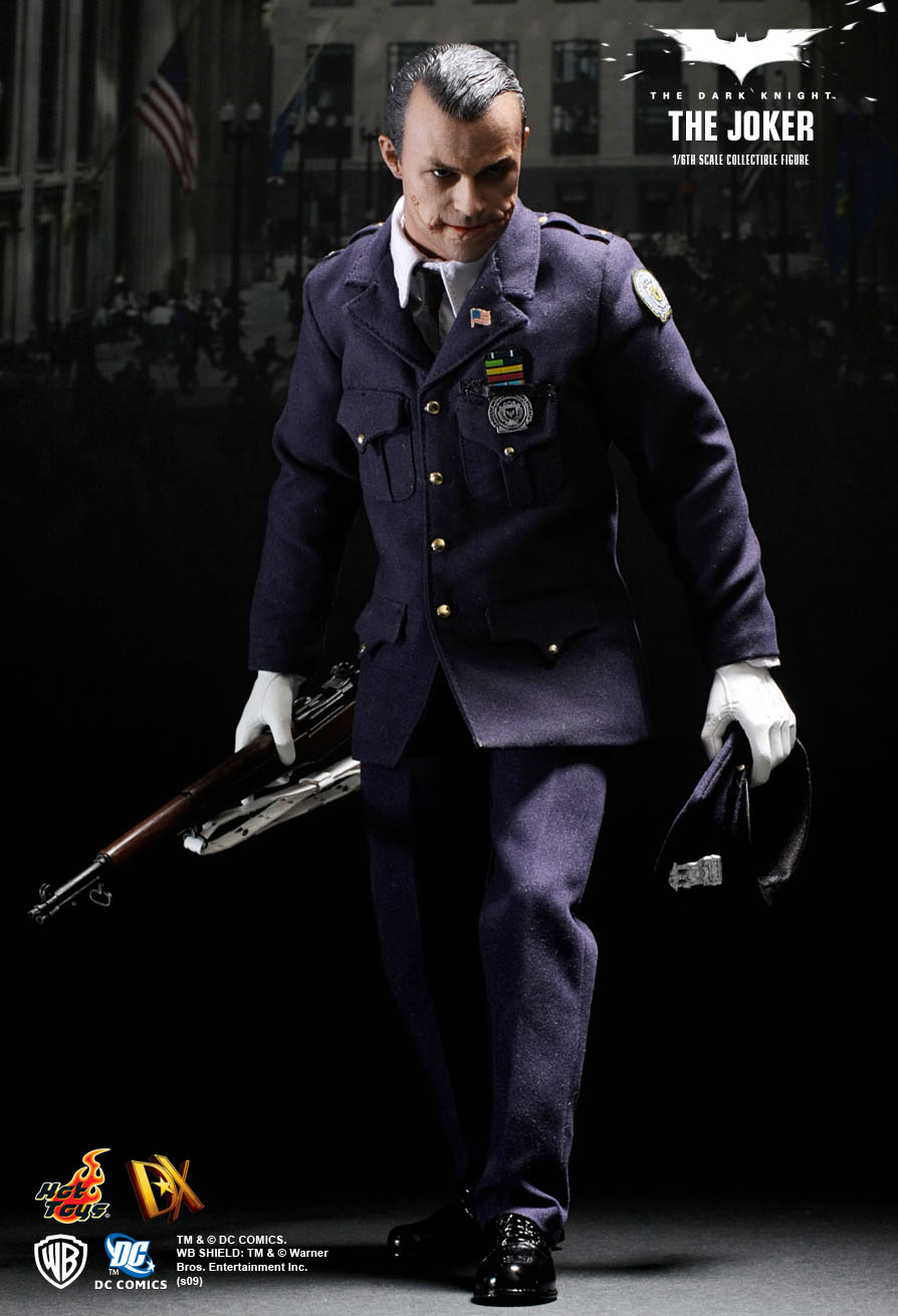 Hot Toys The Dark Knight The Joker 1 6th Scale