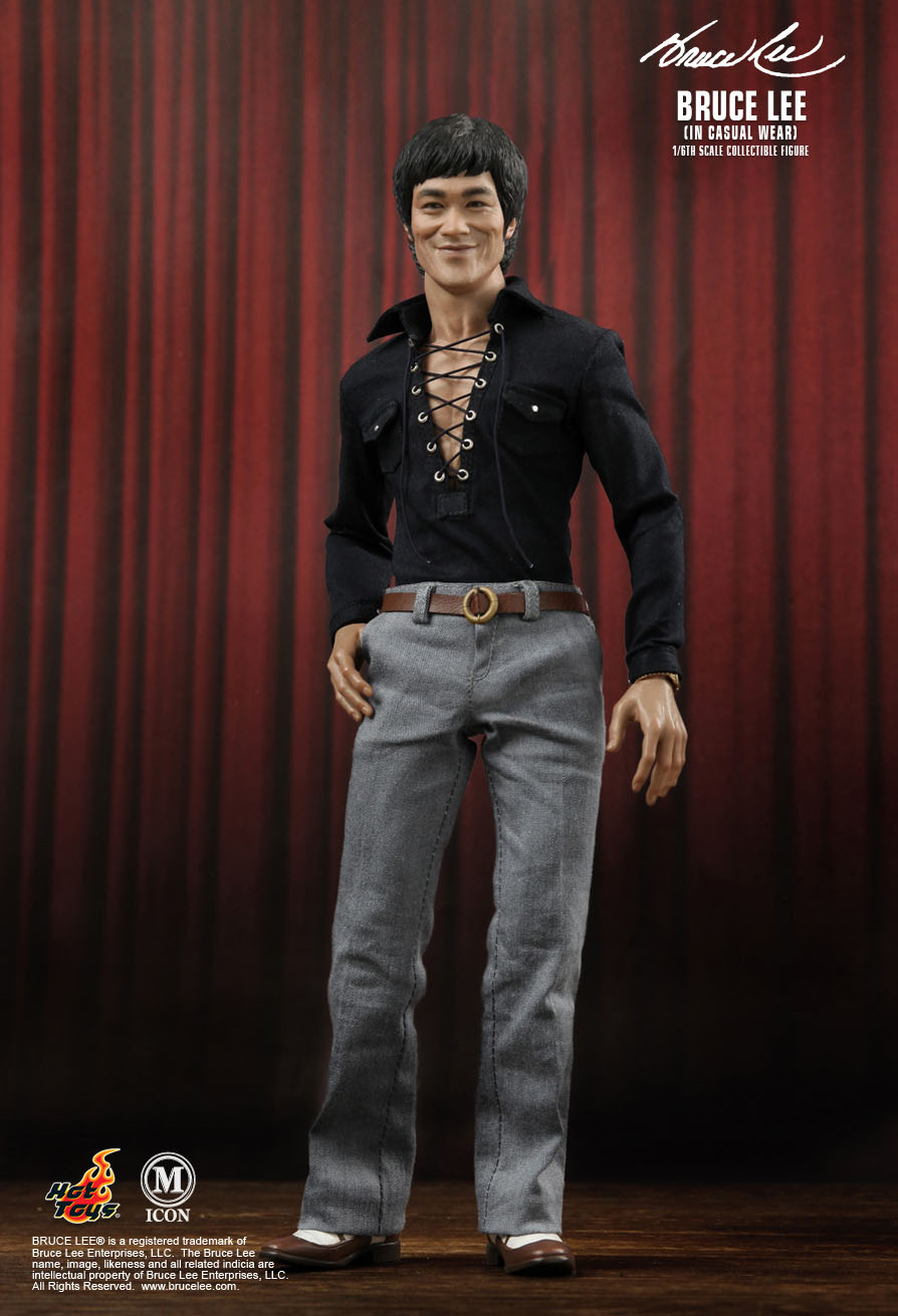 Hot Toys : - Bruce Lee...