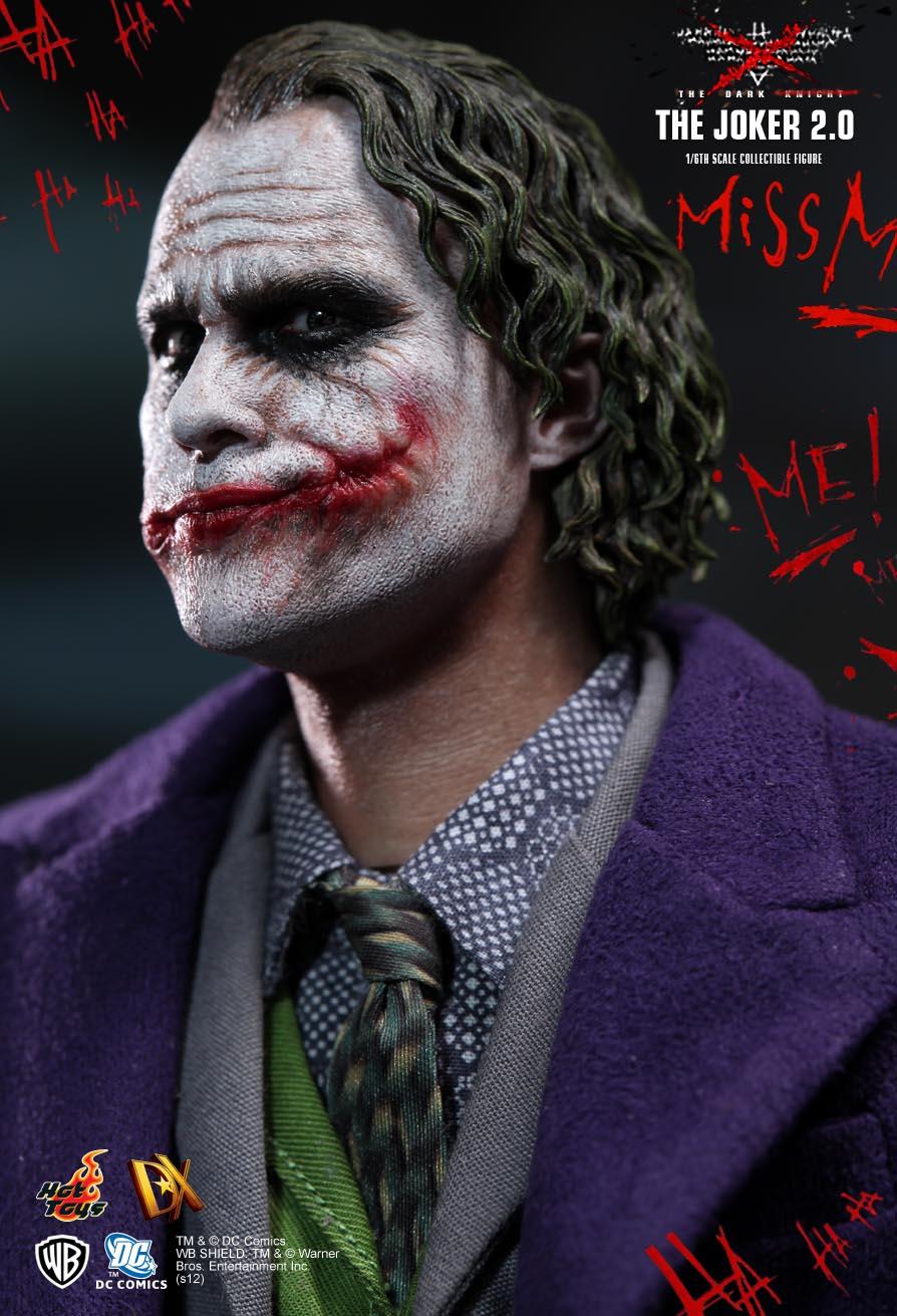 Hot Toys Dark Knight Joker 14