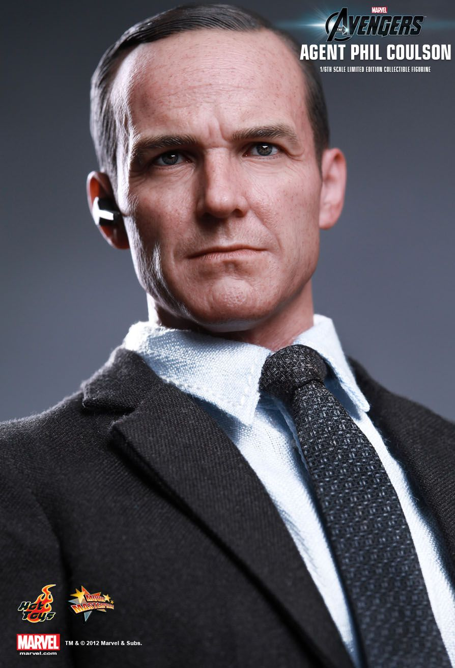 Hot Toys The Avengers Agent Phil Coulson 1 6th Scale
