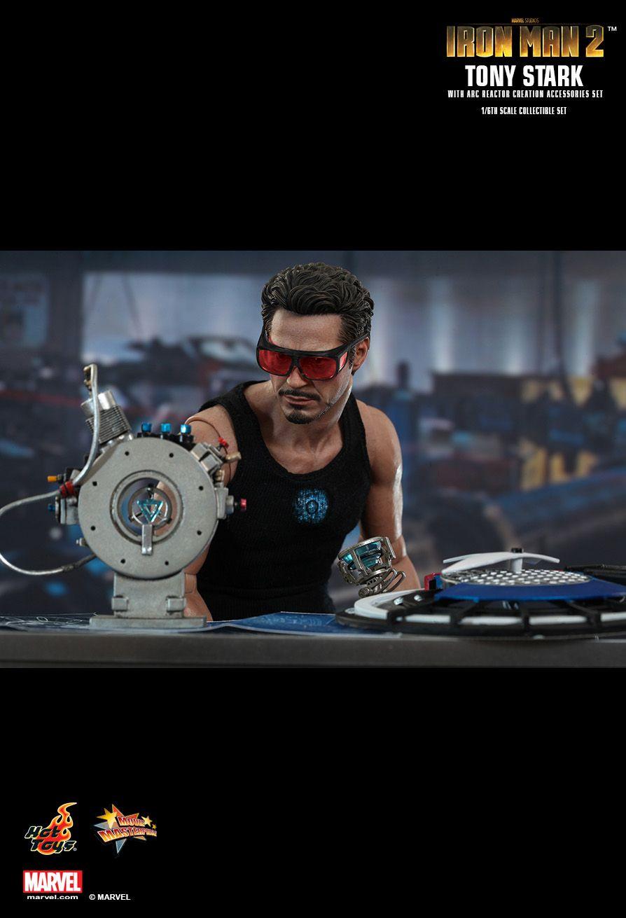 Hot Toys : Iron Man 2 - Tony Stark with Arc Reactor ...