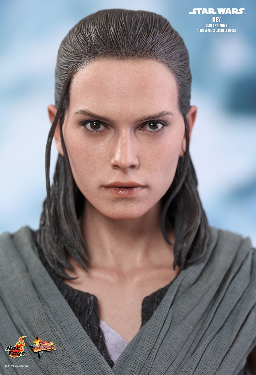 Blue Star Blade Reviews >> Hot Toys : Star Wars: The Last Jedi - Rey (Jedi Training) 1/6th scale Collectible Figure
