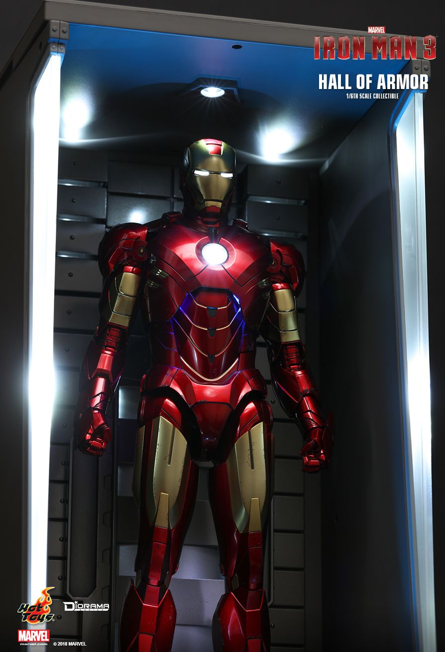 Hot Toys : Iron Man 2 - Hall of Armor 1/6th scale Collectible